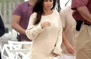 Kourtney Kardashian, enceinte : Maman sexy à la plage et en famille