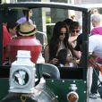 La belle Roselyn Sanchez en famille au Farmers market de Studio City, Los Angeles, le 22 juin 2014.