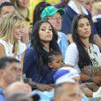 Fiona Cabaye, Mazda Sakho avec sa fille Aïda et Ludivine Sagna lors du match de l'équipe de France face à l'Equateur, le 25 juin 2014 au stade Maracanã de Rio