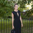 Cara Delevingne assiste à la Summer Party annuelle de la Serpentine Gallery. Londres, le 1er juillet 2014.