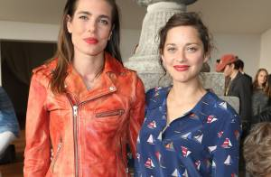 Marion Cotillard et Charlotte Casiraghi in love au Paris Eiffel Jumping
