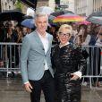 Baz Luhrmann et Catherine Martin arrivent au 325 rue Saint-Martin pour assister au défilé haute couture de Jean Paul Gaultier. Paris, le 9 juillet 2014.
