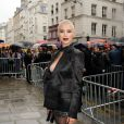 Dièse arrive au 325 rue Saint-Martin pour assister au défilé haute couture de Jean Paul Gaultier. Paris, le 9 juillet 2014.