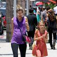 La femme de Mark Wahlberg, Rhea Durham, avec sa fille aînée Ella Rae à Beverly Hills, Los Angeles, le 8 juillet 2014.