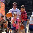 Mark Wahlberg et sa femme Rhea Durham avec leur enfants Grace, Ella et Michael au Mr Bones Pumpkin Patch à West Hollywood, le 14 octobre 2013.