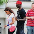Mario Balotelli avec sa fiancée Fanny Neguesha, tête basse, en pleine discussion à New York le 19 juillet 2014