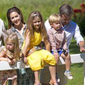Famille royale de Danemark : Au complet et cool pour la séance photo de l'été