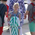 La jeune Irene n'a pas lâché d'une semelle sa mamie Sofia avant d'embarquer. L'infante Elena d'Espagne et ses enfants Felipe et Victoria, la reine Sofia d'Espagne et les quatre enfants de l'infante Cristina, Juan Valentin, Pablo, Miguel et Irene, ont posé pour les photographes à l'école de voile Calanova de Palma de Majorque le 28 juillet 2014, avant que les jeunes gens de la famille royale embarquent pour leur stage nautique annuel.