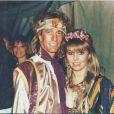 Robin Gibb et Dwina célébrant leur premier anniversaire de mariage au début des années 80. Une photo personnelle dévoilée par Dwina le 30 juillet 2014 pour annoncer la sortie d'un album posthume.