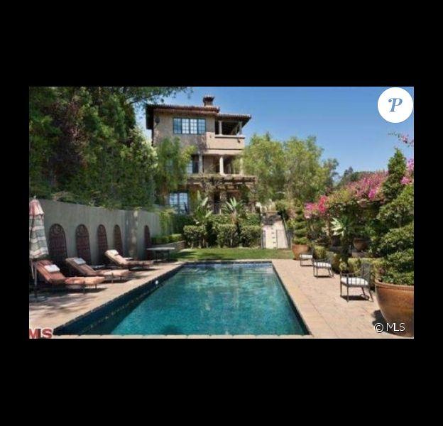 Mischa Barton est en défaut de paiement sur sa maison de Beverly Hills, achetée en 2005 pour 6,4 millions de dollars.
