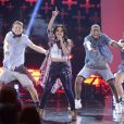 Becky G interprète son titre Shower lors des Teen Choice Awards 2014. Los Angeles, le 10 août 2014.