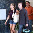 Exclusif - Jennifer Aniston se rend dans son institut de beauté préféré accompagné de son garde du corps à Beverly Hills, le 1er août 2014