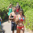 Alessandra Ambrosio et son fiancé Jamie Mazur à Maui, Hawaï, le 13 août 2014.