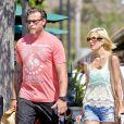 Tori Spelling en compagnie de son mari Dean et leurs enfants dans les rues de Malibu, le 13 août 2014.