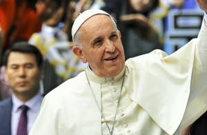Le pape François 'attristé' : Trois membres de sa famille morts dans un accident