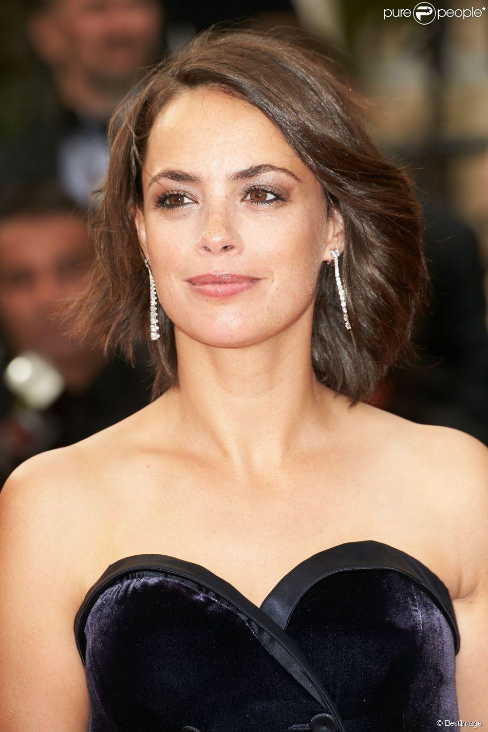 """Bérénice Bejo - Montée des marches du film """"The Search"""" lors du 67e Festival du film de Cannes le 21 mai 2014"""