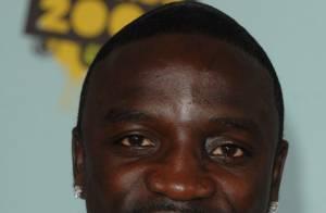 Akon, jugé le 1er décembre pour coups et blessures, annule son concert en France...