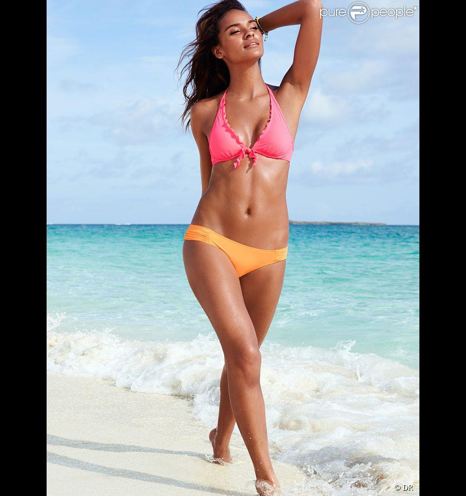 Le mannequin Gracie Carvalho, en bikini pour Victoria's Secret.
