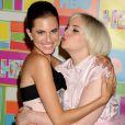 """Les stars de """"Girls"""", Allison Williams et Lena Dunham, lors de la """"HBO Emmy Afterparty"""" à Los Angeles, le 25 août 2014."""