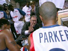PHOTOS : Tony Parker participe à la victoire des Bleus... avant de s'embrouiller avec son coach !