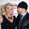 Les heureux mariés Jenny McCarthy et Donnie Wahlberg à Las Vegas, le 1er décembre 2013.