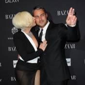 Lady Gaga : Diva ultradécolletée et folle amoureuse de Taylor Kinney