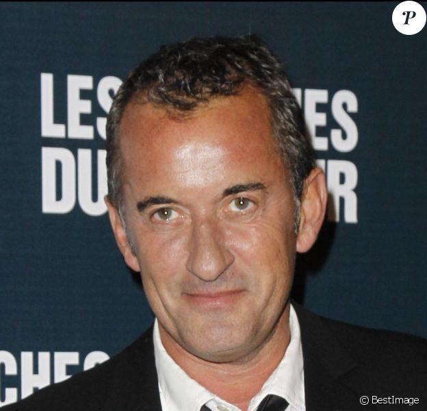 """Christophe Dechavanne - Avant-première du film """"Les marches du pouvoir"""" à l'UGC Normandie à Paris le 18 octobre 2011."""