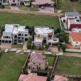 Une vue aérienne de la maison d'Oscar Pistorius située au coeur du lotissement de Silver Woods à Pretoria, photo prise le 14 février 2013, le jour du meurtre de Reeva Steenkamp