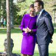 La princesse Victoria et son mari le prince Daniel de Suède visitant le Parc des sculptures à Umea le 11 septembre 2014