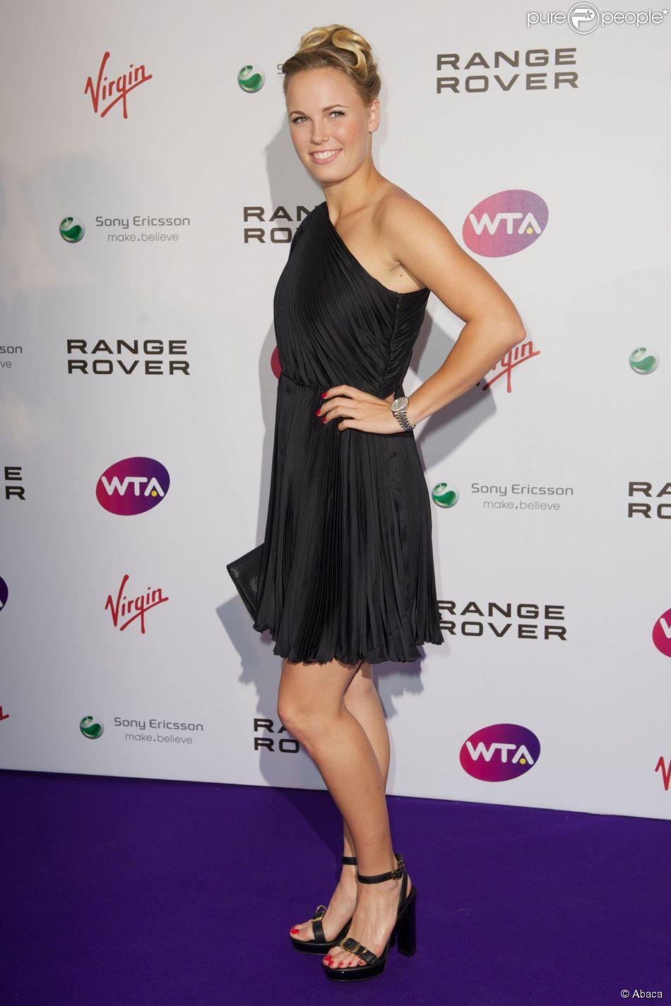 Caroline Wozniacki lors de la soirée pré-Wimbledon aux Kensington Roof Gardens de Londres, le 16 juin 2011