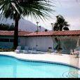 """"""" Photos de la garçonnière secrète d'Elvis Presley à Palm Springs. Elles ont été prises par le journaliste Roger Asquith il y a 50 ans.  """""""