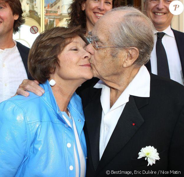 Exclusif - Macha Méril et Michel Legrand heureux de s'être unis civilement à la mairie de Monaco, le 16 septembre 2014.