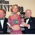 Delphine Boël, fille illégitime supposée du roi Albert II de Belgique, à Paris en décembre 1999 lors de la cérémonie des Best.