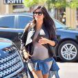 Kourtney Kardashian, enceinte et de sortie à Los Angeles, le 24 septembre 2014.