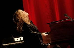 Diana Krall très malade : Son album 'Wallflower' et sa tournée repoussés à 2015