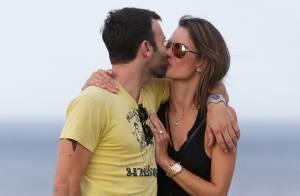 Alessandra Ambrosio avec son amoureux : Pause bisous loin des enfants !