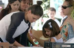 Suri Cruise : Petite fille modèle pour une virée ensoleillée avec Katie Holmes
