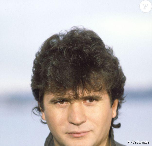 Daniel Balavoine a trouvé la mort en 1986 dans un accident d'hélicoptère.