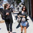 Kourtney Kardashian (enceinte) fait du shopping à Beverly Hills le 26 septembre 2014