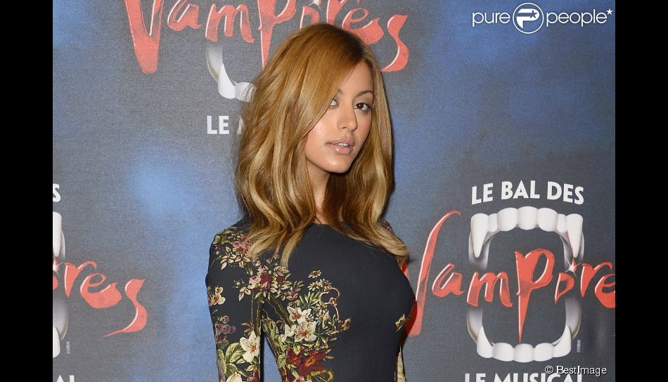 Zahia Dehar - Générale de la comédie musicale Le Bal des Vampires, au théâtre Mogador à Paris, le 16 octobre 2014