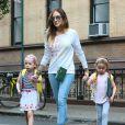 Sarah Jessica Parker accompagne ses filles Marion et Tabitha à l'école à New York. Le 14 octobre 2014