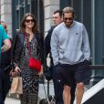 Jake Gyllenhaal se promène dans les rues de New York avec sa compagne Alyssa Miller. Le 7 mai 2014