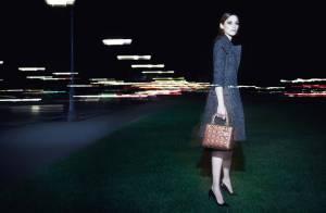 Marion Cotillard : Lady Dior chic plongée dans la nuit parisienne