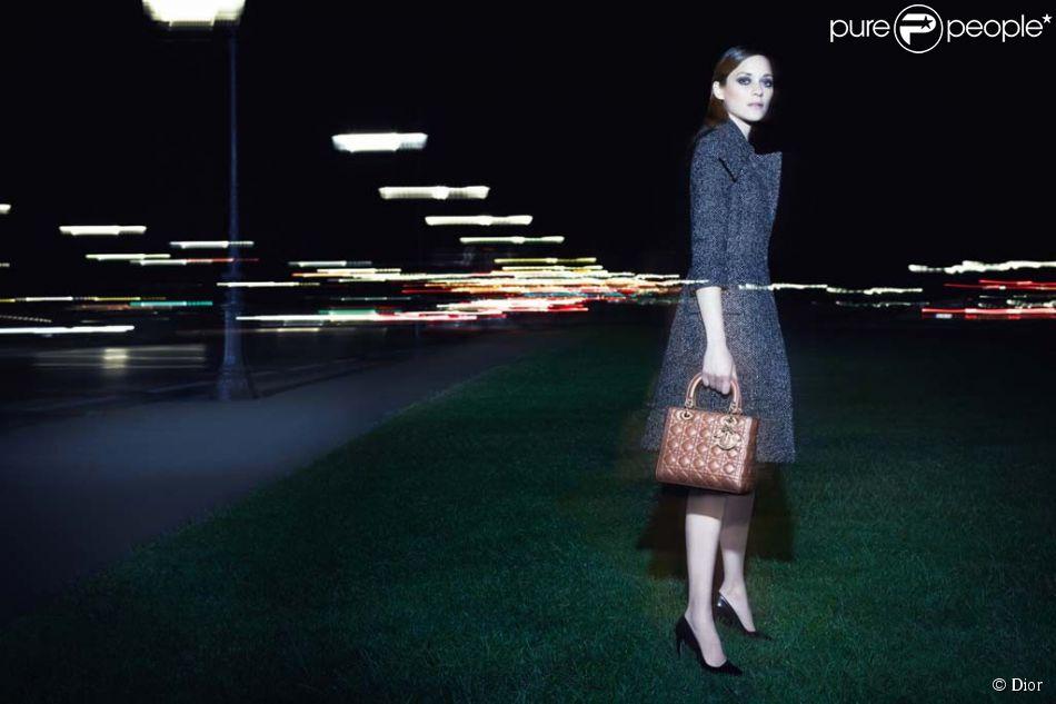 Marion Cotillard dans la nouvelel campagne Lady Dior shootée par Craig McDean