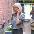 Tori Spelling arrive à un centre médical à Beverly Hills Los Angeles, le 17 Octobre 2014.