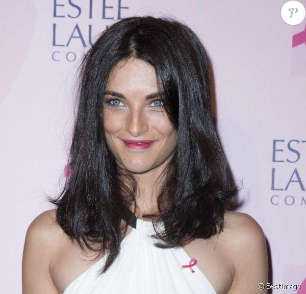 Pauline Delpech lors du lancement de la campagne de sensibilisation Octobre Rose pour la recherche contre le cancer du sein au Palais National de Chaillot, à Paris le 7 Octobre 2014