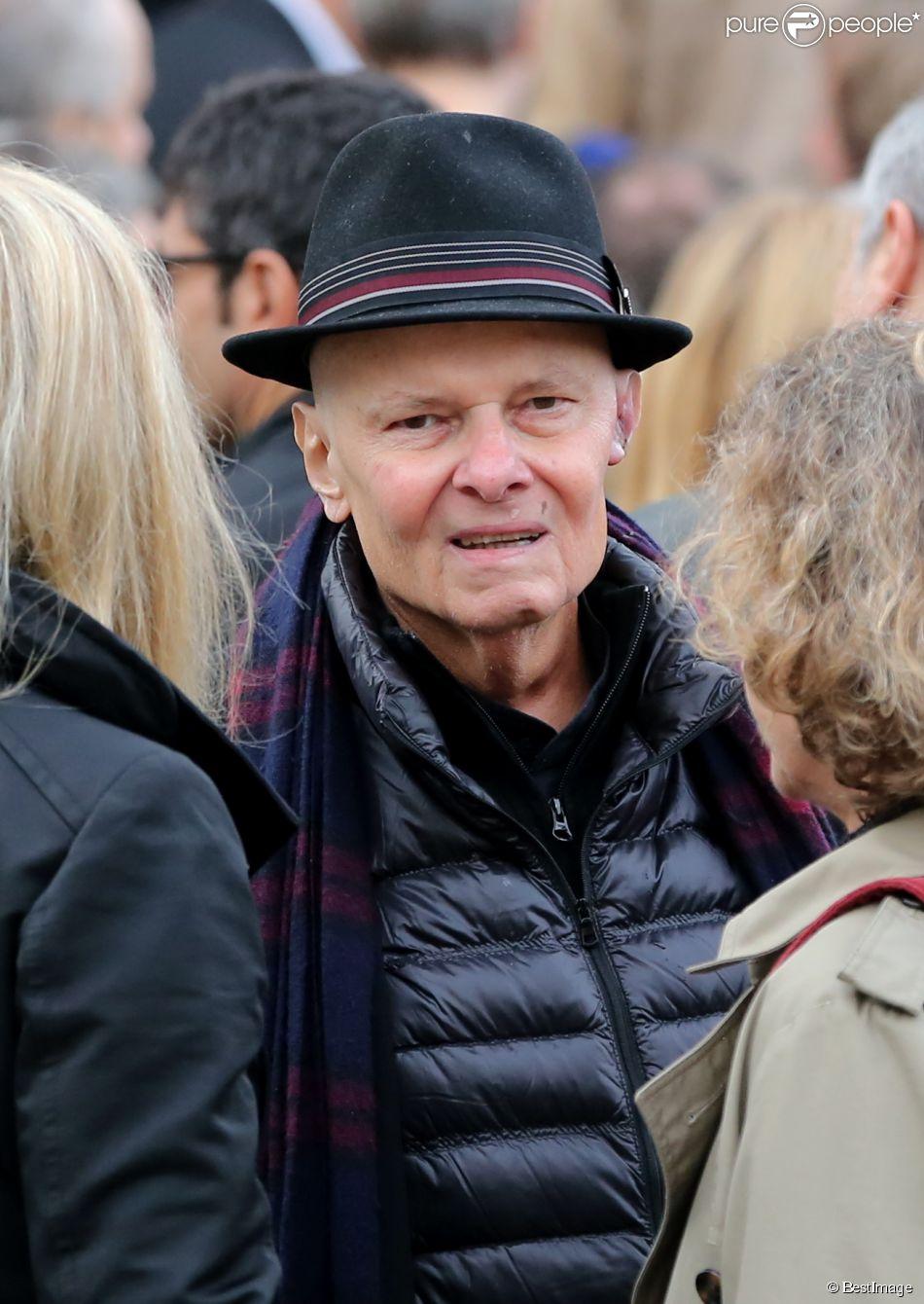 Alain de Greef - Sortie des obsèques de Gilles Verlant au cimetière du Père-Lachaise, le 4 octobre 2013.
