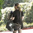 La soeur de Ryan Gosling, Mandy, se rendant à Los Angeles chez Eva Mendes pour voir sa nièce Esmeralda le 17 septembre 2014