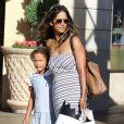"""Halle Berry emmène sa fille Nahla faire du shopping à """"The Grove"""" à Los Angeles, le 29 septembre 2014"""