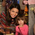 """Exclusif - Adeline Blondieau et sa fille Wilona posent lors de l'enregistrement """"Les contes de Tiji"""" pour la chaîne de télévision Tiji à Montigny Les Cormeilles le 30 octobre 2014."""